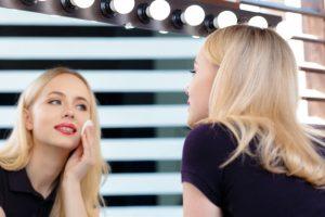 เผยผิวเรียบเนียน ผ่องใส ไม่อุดตัน ด้วยแป้งฝุ่นอัดแข็ง จาก BYS Cosmetics