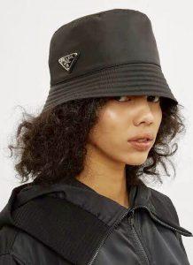 หมวกสุดอิต Prada Bucket Hat1