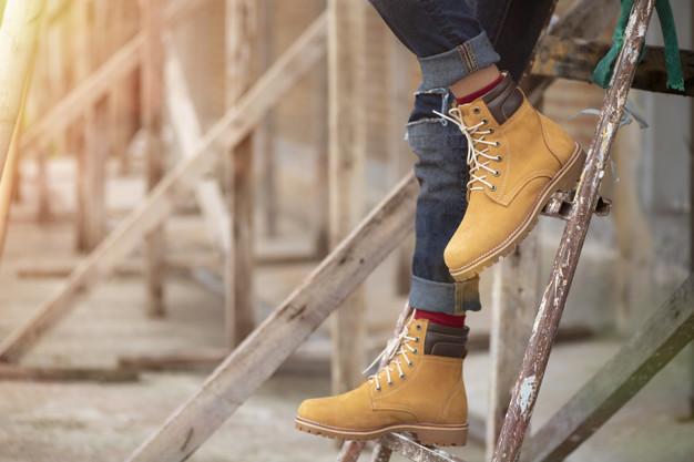 วิธีการเลือกรองเท้าให้ใส่เดินเที่ยวได้ทั้งวัน