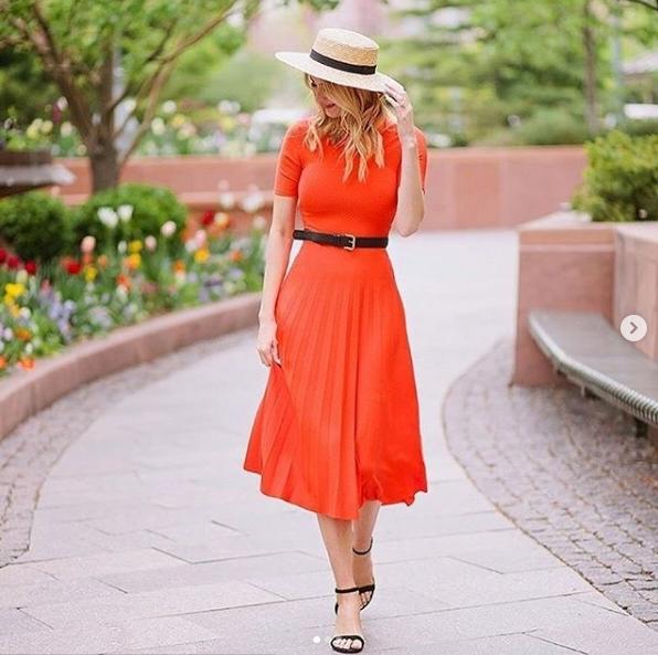 เทรนด์ Orange Outfit ส้มสดใสรับเทรนด์ใหม่ใครไม่ใส่ถือว่าเอ้าท์