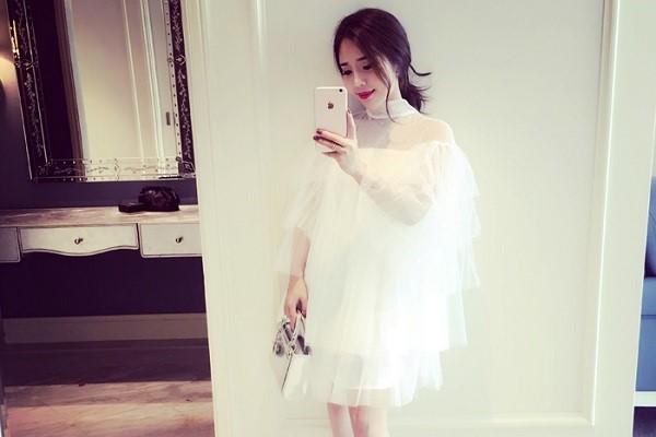 แฟชั่นชุดเดรสสีขาวสวยสไตล์หวาน ๆ เรียบหรูดูดี แฟชั่นใหม่ การแต่งตัว ความงาม สไตล์การแต่งหน้า Lifestyle แฟชั่นเดรสสีขาว