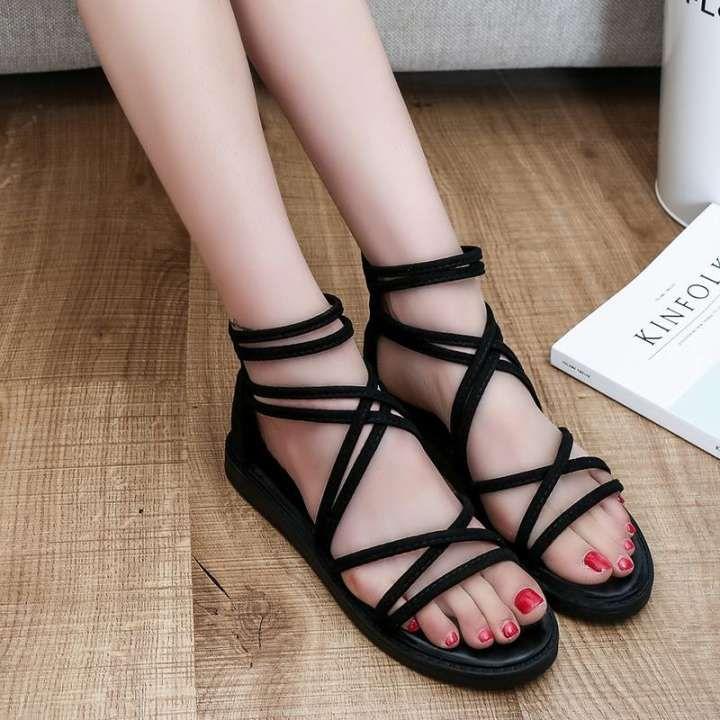 เทคนิคการแต่งตัว แฟชั่นรองเท้าแตะ ใส่แตะอย่างไร ให้สวยชิค ไม่ดูเหมือนชุดอยู่บ้าน แฟชั่นใหม่ การแต่งตัว ความงาม สไตล์การแต่งหน้า Lifestyle แฟชั่นรองเท้าแตะ