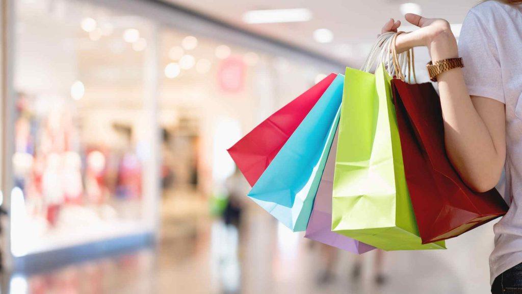 เทคนิคการแต่งตัว รวม 4 ข้อที่ต้องจำเมื่อไปซื้อเสื้อผ้า แฟชั่นราคาประหยัด แฟชั่นใหม่ การแต่งตัว ความงาม สไตล์การแต่งหน้า Lifestyle เคล็ดลับซื้อเสื้อผ้า