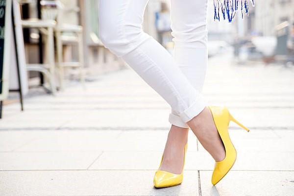 เลือกรองเท้าให้เหมาะกับโอกาสและชุดที่สวมใส่ แฟชั่นใหม่ การแต่งตัว ความงาม สไตล์การแต่งหน้า Lifestyle เทคนิคการเลือกรองเท้า